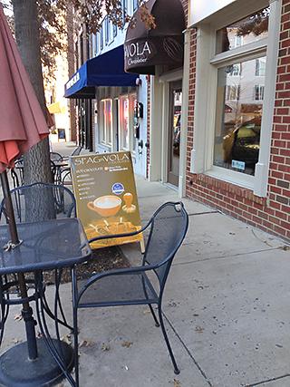 SPAGnVOLA sidewalk chairs