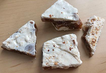 Crackd white toffee